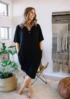e6548521562 PRE-ORDER: APPROX DELIVERY DATE LATE OCTOBER The new-mama wardrobe staple  is comfy (of course!), casual and versatile. Made from super soft fabric,  ...