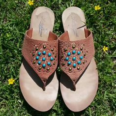 Lucky Brand Leather Sandals Breese in Brick Size 6 Lucky Brand Leather Thong Sandals Breese in Brick Size 6 Leather upper man made sole. These are in gently used condition. Lucky Brand Shoes Sandals