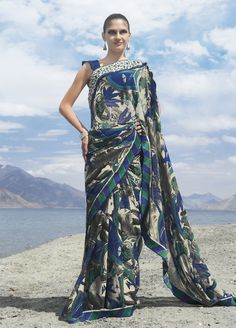 Free Flowing Green And Blue Georgette Saree With Blouse