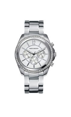 Tenemos tu reloj ideal con multifunciones, en tu muñeca se vera genial!!   Reloj multifunción brazalete con incrustaciones en el bisel y cierre desplegable. Cristal mineral e impermeable 30m (3ATM).