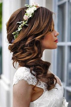 wedding hairstyles for medium hair half up half down curl with flowers allbridals via instagram