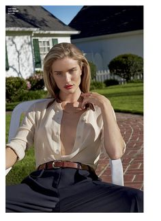 Rosie Huntington-Whiteley for V Magazine Summer 2014 Age: 27 Nationality: English Why she is a blonde bombshell: After working for Victoria'. Rosie Huntington Whiteley, V Magazine, Devon England, Provocateur, Mode Editorials, Fashion Editorials, Classic Chic, Trends, Blonde Beauty