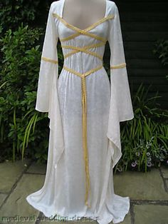 Wiccan Wedding Dresses   ... pagan wedding dress / handfasting ...