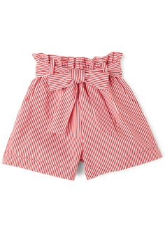 Tonight, youre sojourning from sweet shop to sweet shop in your city while sporting these striped shorts! Short Outfits, Trendy Outfits, Kids Outfits, Short Dresses, Summer Outfits, Girls Dresses, Cute Outfits, Cute Shorts, Striped Shorts