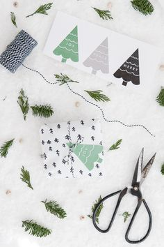 Lots of FREE Printable Christmas Gift Tags! Click through to download and print adorable gift tags.