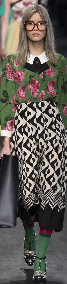 Gucci Fall 2016 Date: June 17, 2016  Notation:  Pattern fabrics mix and match are my favorites, this is so cozy and rich.