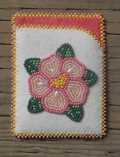 A pretty, delicate card case that i made. Native Beading Patterns, Beadwork Designs, Native Beadwork, Native American Beading, Beaded Bags, Beaded Purses, Beading Projects, Beading Tutorials, Seed Bead Art