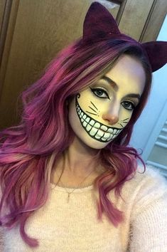 Looking for for inspiration for your Halloween make-up? Browse around this website for creepy Halloween makeup looks. Costume Halloween, Cheshire Cat Halloween Costume, Chat Halloween, Halloween Makeup Looks, Halloween Season, Cheshire Cat Cosplay, Disney Halloween Makeup, Halloween Costumes Women Creative, Alice Halloween