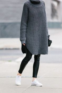 21 Cute Oversized Sweater Outfit Ideas Glamsugar.com Street style