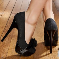 Woman shoes color: Black size 39