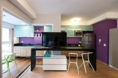 Varanda, cores e cortinado criam lar em apenas 35 m²; veja o projeto - Casa e Decoração - UOL Mulher