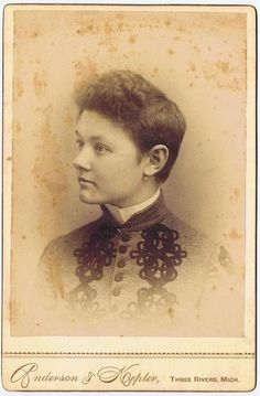 Vintage Cabinet Card Victorian Woman Photograph Michigan. She has short hair!
