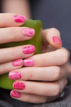 Nailicious.: Z okazji Walentynek na paznokciach marmuru wycinek