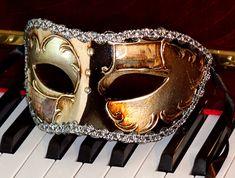 Comfortable Elegant Mens Mask Italian Made www.venetianfantasymasks.com