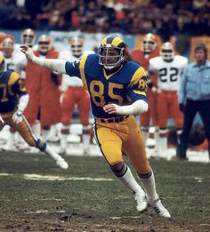 Los Angeles Rams Hall of Fame defensiive end Jack Youngblood rushes the passer in a 9-0 win over the Cleveland Browns at Cleveland Stadium on November 27, 1977.