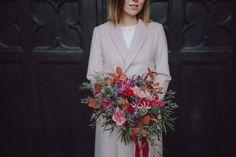 Wedding bouquets/ Marta 💜 bukiet ślubny  Fot. Jakubowski Foto Wedding Bouquets, Wedding Brooch Bouquets, Bridal Bouquets, Wedding Bouquet, Wedding Flowers