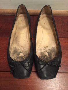 Christian Louboutin Black Leather Flats Size 39.5 #ChristianLouboutin #BalletFlats