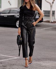 Fashion Tips Outfits .Fashion Tips Outfits Mode Outfits, Casual Outfits, Fashion Outfits, Womens Fashion, Fashion Tips, Leather Pants Outfit, Leather Trousers, Leather Outfits, Black Leather Pants