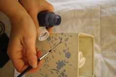 #lavorincasa : se volete cimentarvi con un lavoretto di decorazione handmade, ecco un articolo che spiega passo passo come ravvivare un paralume dismesso con la tecnica dello stencil
