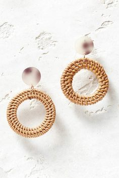 Open Round Straw & Resin Earrings Diy Fashion, Resin, Pearl Earrings, Detail, Pretty, Outfits, Accessories, Jewelry, Ideas