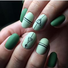 15 Most Stunning Harry Potter Nail Art You Must Try – Swish Today – nails. Harry Potter Nail Art, Harry Potter Nails Designs, Deco Harry Potter, Nail Art Grey, Cool Nail Art, Short Nail Designs, Nail Art Designs, Maquillage Harry Potter, Cute Nails