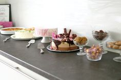 Yksi parhaista - Ranskalainen kinkku-juustopiiras - Suklaapossu Little Bunny Foo Foo, Three Little Pigs, Mellow Yellow, Panna Cotta, Table Settings, Food And Drink, Table Decorations, Cake, Ethnic Recipes