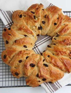 Farmors julekake - My Little Kitchen Little Kitchen, Kitchenaid, Bagel, Food And Drink, Bread, Baking, Healthy Food, Meals, Cold