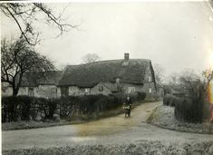 Clifton Nottingham, Nottingham City, Clifton Village, Domesday Book, Little Land, Off The Map, Thatched Roof, Life Images, Acre