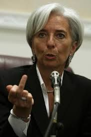 Saving the world's financial crises while wearing Hermes. My idol Christine Lagarde. Beautiful Women Over 50, Yves Saint Laurent, Tousled Hair, Popular People, Famous People, Big Government, Italian Women, Tecno, Interesting Faces
