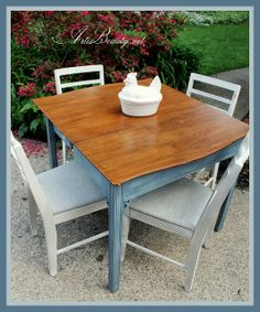 ART IS BEAUTY: Extensole table and Roadside Rescue chairs Makeover http://arttisbeauty.blogspot.com/2013/08/extensole-table-and-roadside-rescue_22.html