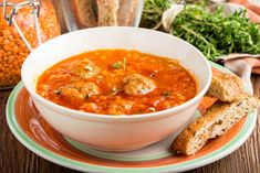 Ricetta Polpette di Lenticchie al Sugo - Il Club delle Ricette Spicy Soup, Yummy Food, Tasty, Chicken Meatballs, Healthy Dishes, Learn To Cook, Vegan Recipes, Curry, Food And Drink