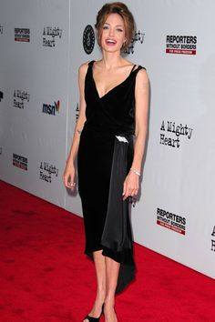"""June 2007 ☆ In a $26 vintage dress at the New York premiere of """"A Mighty Heart""""."""