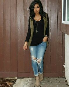 simple but stylish. Black long sleeve, olive green vest, distressed jeans, and tan booties Cute Fall Outfits, Fall Winter Outfits, Autumn Winter Fashion, Mens Winter, Fall Outfit Ideas, Vest Outfits For Women, Everyday Casual Outfits, Spring Outfits Women, Fall Outfits For Work