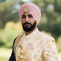 Indian Groom Wedding Jewellery Idea such as kalgis, sarpech, pendants and chains. Real Grooms Who Wore Jewellery Better Than Their Brides! Best Wedding Suits, Wedding Dresses Men Indian, Wedding Outfits For Groom, Wedding Dress Men, Sikh Wedding, Punjabi Wedding, Indian Weddings, Farm Wedding, Wedding Couples