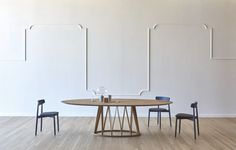 Acco table with oval top. #interior #madeinitaly #furniture #forthehome #minimal