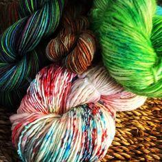#handspun #indiedyer #yarnporn #yarn #schacht #schachtladybug #spinnersofinstagram #etsy##dawnnikole