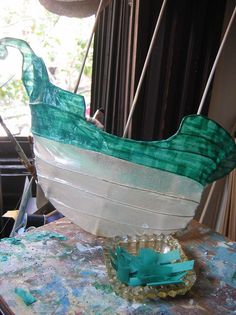 paper mache – Page 6 Beach Crafts, Crafts To Do, Anna Wood, Paper Art, Paper Crafts, Paper Mache Clay, Origami Butterfly, Boat Painting, Acrylic Artwork