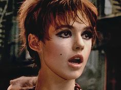 Edie Sedgwick as Susan Superstar in Ciao! Edie Sedgwick, Andy Warhol, Twiggy Hair, 60s Icons, Poor Little Rich Girl, 60s Makeup, Pixie Crop, Alter, American Actress