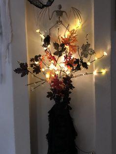 Holidays Halloween, Halloween Decorations, Vintage Halloween, Bouquet, Chandelier, Ceiling Lights, Lighting, Home Decor, Candelabra