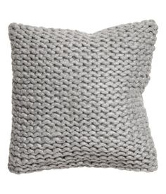 Chunky-knit cushion cover: Cushion cover in a chunky knit with a woven cotton backing and concealed zip. Knitted Cushion Covers, Knitted Cushions, Knitted Blankets, Square Pillow Covers, Throw Pillow Covers, Throw Pillows, Living Room Cushions, Hm Home, Fur Pillow