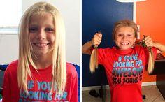 8 yaşındaki bu erkek çocuğu, kanserli çocuklara peruk yapılması için 2 yıl boyunca saçını uzattı ve bu yüzden okuldaki çocukların sataşmalarına maruz kalmasına rağmen hedefinden vazgeçmedi.