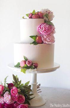 Featured Cake: The Pastry Studio; www.thepastrystudio.com; Wedding cakes ideas.