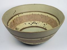 Beautiful bowl by Charlotte Jones. Saw her work in Totnes and would love to own a piece. Pottery Bowls, Ceramic Bowls, Ceramic Pottery, Clay Bowl, Modern Ceramics, Plates And Bowls, Ceramic Artists, Design Crafts, Carving