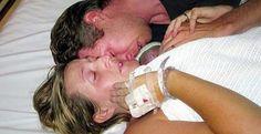 Madre recibe muerto a Bebé recién nacido, lo abrazo por DOS HORAS y deja al mundo en Conmoción Total - Una Madre Dice