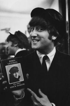 <3 John!!! I want the book he is holding :3