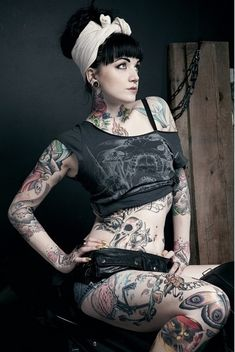 vintage/gothic pin up girl with tatts Body Tattoo Design, Full Body Tattoo, Tattoo Designs Men, Body Art Tattoos, Tattoo Girls, Girl Tattoos, Tattoos For Women, Tattooed Women, Tatoos