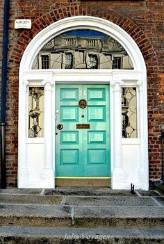 Les jolies portes Dublin. Dublin Ireland, Dublin City, Dublin Ireland travel