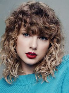 63 Ideas hairstyles fringe long taylor swift for 2019 63 Ideen Frisuren Fransen lange Taylor Swift f Taylor Swift Curly Hair, Taylor Swift Pictures, Taylor Alison Swift, Taylor Swift Bangs, Taylor Swift Hairstyles, Red Taylor, Corte Y Color, Beautiful Celebrities, Hair Inspiration
