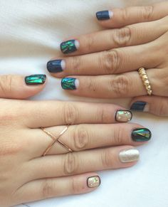 Shattered Glass Nails Are The Latest Manicure Trend Hitting Salons Nails Opi, Manicure, Nails Polish, Get Nails, How To Do Nails, Hair And Nails, Nail Art Designs, Nailart, Nail Lacquer