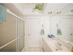 For Sale - See photos and descriptions of 12 Bunker Rd, Rotonda West, FL. This Rotonda West, Florida Single Family House is 3-bed, 2-bath, listed at $294,900 MLS# D5919633. Casas de venta en Rotonda West, FL.